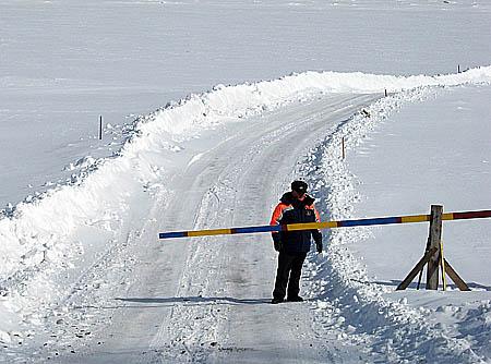 в 15:10.  Rolls Royce Wraith дебютирует на... марта 2013.  В Томской области закрывают ледовые переправы.